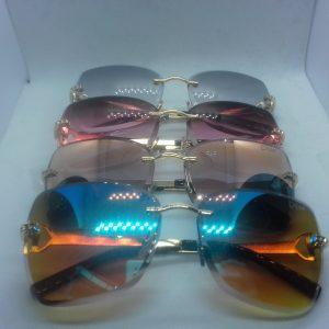 Gafas Dior biselada pinta de diamante