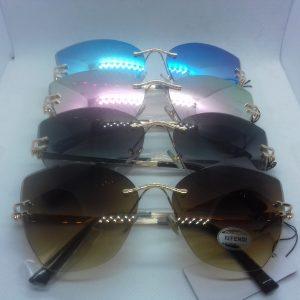 Gafas Fendi biselada pinta de diamante